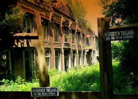 Ontoegankelijk Klooster Hoogcruts