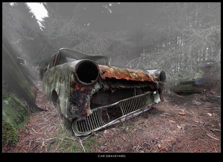 CAR GRAVEYARD - Ergens in Belgie ver weg verstopt ligt een auto kerkhof. - foto door Sjwets op 11-03-2010 - deze foto bevat: urbex, urban exploring, sjwets