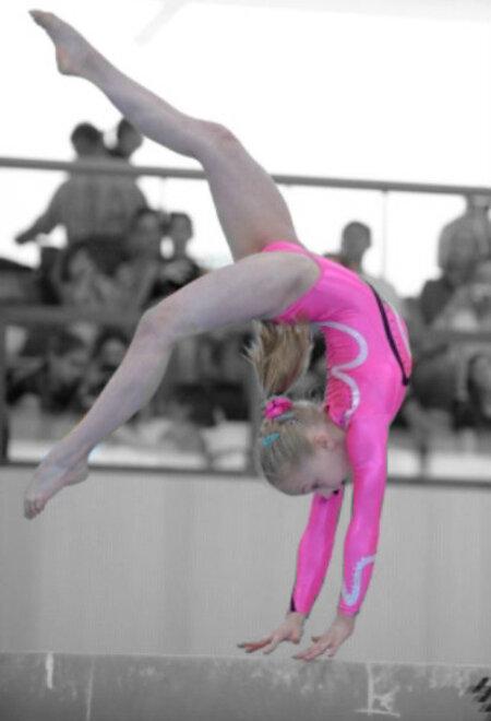 Bewerkt - Bewerkte turnfoto van NK - foto door RozeAardappel op 28-03-2013 - deze foto bevat: roze, sport, bewerkt, turnen, leuk, balk, turnpakje