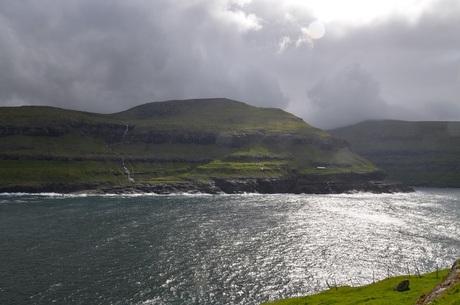 Avondlicht op Faer Oer eilanden