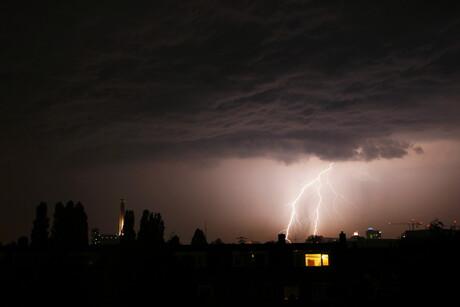 Onweer boven Leiden 25 Mei 2009