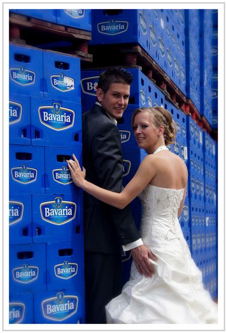 Bruidsreportage - Ra ra waar zou deze bruidsreportage gemaakt zijn, Inge en Tim bedankt was zeer leuk om te doen, geweldig om een shoot in een productie bedrijf te mog - foto door verschuren op 21-06-2011 - deze foto bevat: verschuren, Bavaria< Bruidsreportage