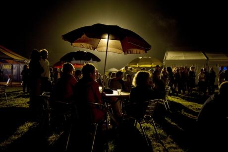 nachtelijke gezelligheid op een festival