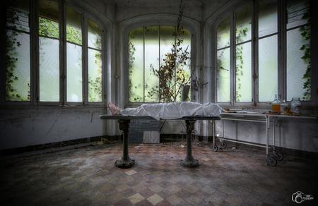Abandoned morgue (selfie) - - - foto door KristofVG op 29-06-2015 - deze foto bevat: fantasie, zelfportret, hdr, urbex, tonemapping, urban exploring, photomatrix