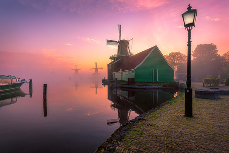 Mesmerising sunrise by the Zaanse Schans