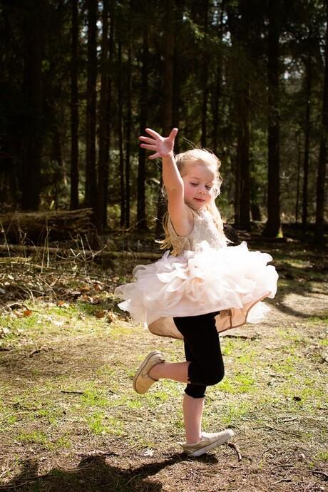Ballerina in het bos
