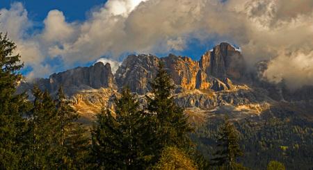 dolomieten 1 - - - foto door bernhard48 op 19-02-2018 - deze foto bevat: lucht, wolken, natuur, herfst, avond, zonsondergang, landschap, bomen, bergen