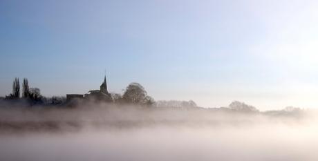 Mistige morgen in Borgharen Maastricht.jpg
