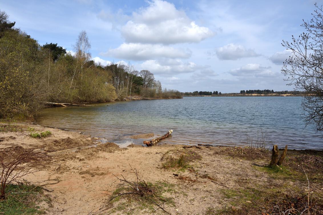 Reindersmeer - Reindersmeer, Nationaal park de Maasduinen. - foto door wimjee op 05-04-2021 - deze foto bevat: lucht, wolken, water, natuur, landschap, zand, meer