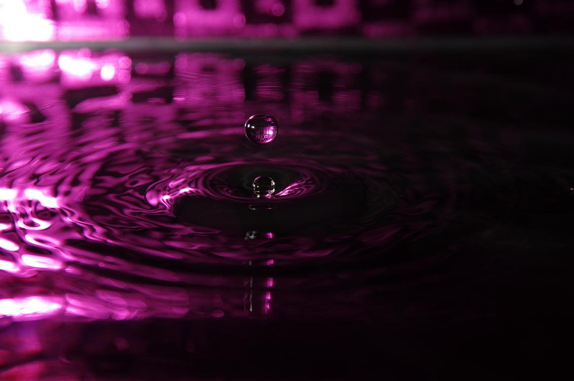 Roze druppel - - - foto door rakus op 30-09-2015 - deze foto bevat: water, druppel, pentax k3