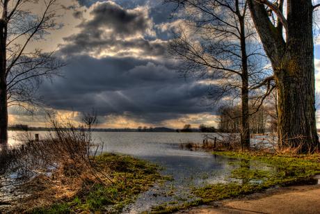 Hoog water bij Zutphen