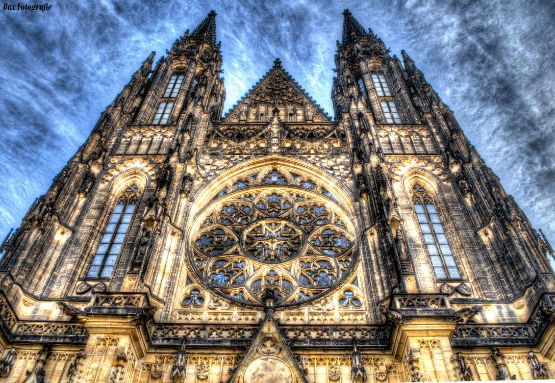 Sint-Vituskathedraal Praag HDR - Sint-Vituskathedraal Praag ( Tsjechië )  HDR shot 3 belichting stops - foto door jeroenbax op 01-11-2016 - deze foto bevat: kerk, praag, tsjechie, hdr, Sint-Vituskathedraal
