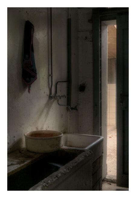 Forgotten Farm 4 - Zelfde plaats als voorgaande opnamen - foto door peterrochat op 09-11-2010 - deze foto bevat: urbex