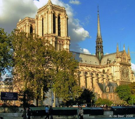 Notre Dame in het gouden uur, 2004