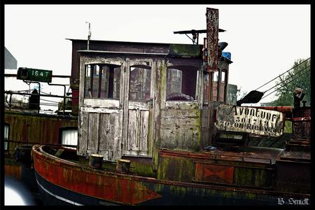 Oud bootje - Mijn eerste foto gemaakt met mijn Canon EOS 400D - foto door bsmidt op 27-04-2014
