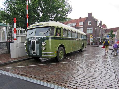 Crossley SD 42