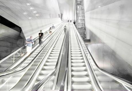 the three-lane escalator