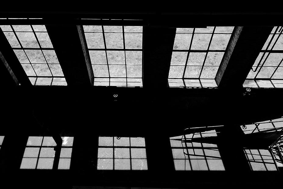 Schadow - In de centrale van Peenemunde - foto door fap op 03-02-2014 - deze foto bevat: oud, foto, urban, verlaten, vervallen, hdr, duitsland, urbex, peenemunde, oost, bunkers, ddr, tonemapping, nuclear, atoom, armament, voormaling, fap., kernwapens, Beauty of decay