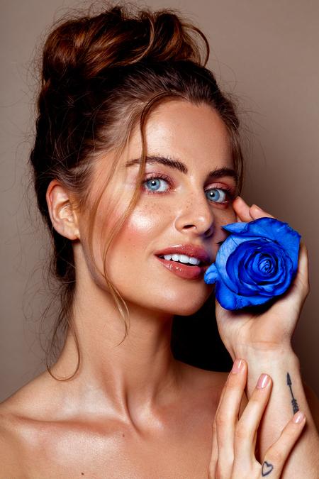 Nikki - Model: Nikki @ EVD Agency  MUAH: Kaja Dobron - foto door stephanieverhart op 20-10-2019 - deze foto bevat: vrouw, licht, portret, schaduw, model, flits, ogen, fashion, beauty, emotie, studio, photoshop, closeup, mode, fotoshoot, visagie, flitser