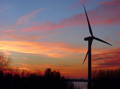 SUNLIGHT AND WIND ENERGY