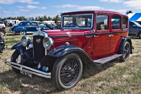 Austin Ten Saloon 1932 (2397)