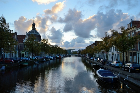 Leiden in het gouden uur.
