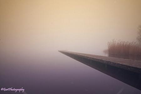 Zuidlaardermeer - Thv Meerzicht - foto door gertphotography op 23-12-2014 - deze foto bevat: water, dijk, natuur, boot, herfst, winter, spiegeling, landschap, mist, drenthe, tegenlicht, haven, brug, kust, nederland, drente, zuidlaren, Gert Hilbink