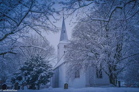 Witte kerk in een witte wereld. - Zo zag de witte kerk er in 2010 uit omgeven met sneeuw. - foto door rits op 17-02-2021 - deze foto bevat: sneeuw