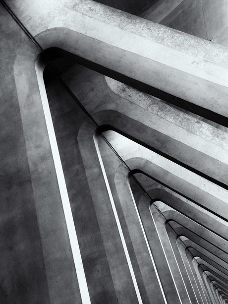 Abstracte wandelgang op het station van Luik (Gare de Liège-Guillemins)