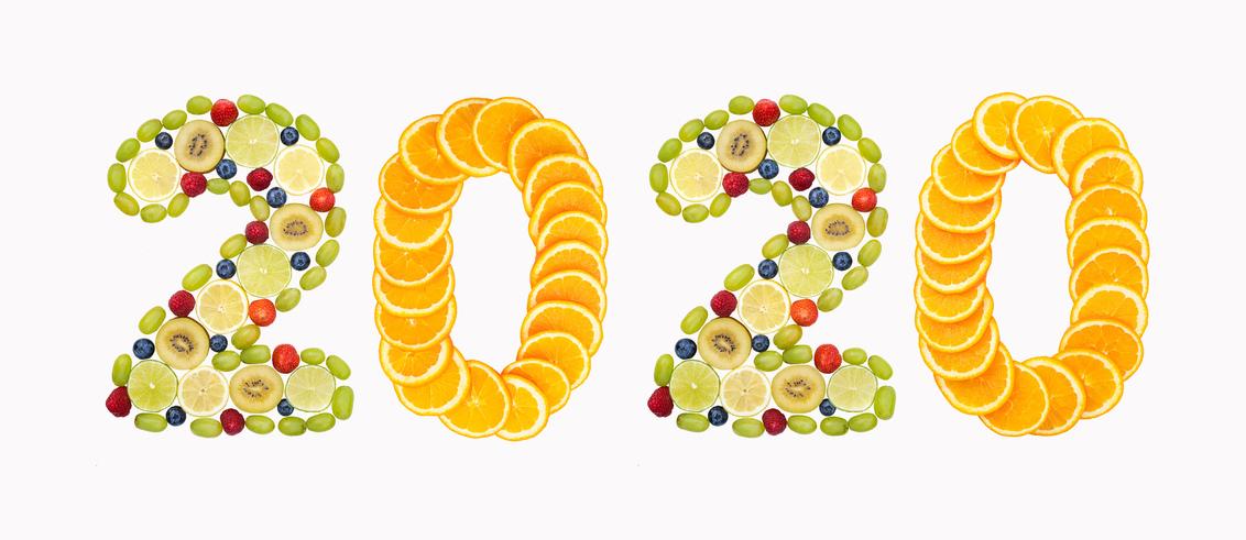 Een gezond 2020! - Gisteren een beetje met fruit lopen spelen.  Bedankt voor de leuke en bemoedigende reacties en stemmen op mijn vorige foto`s.  Fijne dag allemaal - foto door AGDBeukhof op 01-01-2020 - deze foto bevat: kleuren, cijfers, nieuwjaar, fruit, kleurrijk, jaarwisseling, gezondheid, beste wensen, 2020, soorten fruit