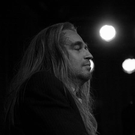 Jan Vayne - Niet helemaal (helemaal niet) mijn favoriete muziek, maar doet het wel goed op de foto. - foto door petervanmeurs op 11-04-2011 - deze foto bevat: piano, jan, pianist, Vayne