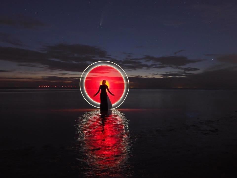 B8AF2E0E-8933-lightpainting493F-8C76-7B330EC732F0 - Light painting in Katwijk. Erg leuk om te doen - foto door tigos op 21-11-2020 - deze foto bevat: avond, spiegeling, nachtfotografie, reflecties