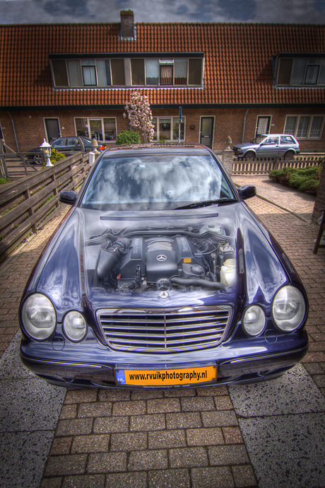 Mercedes in HDR 2