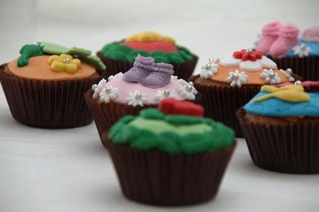 cupcake - Tijdens een workshop met haar werk had mijn echtgenote deze cupcakes gemaakt. Ik vond ze zo mooi dat ik er foto's van heb gemaakt. Nu nog proeven ! - foto door herimo op 26-04-2012 - deze foto bevat: kleur, product, cupcake