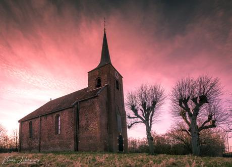 Kerkje van Heveskes.