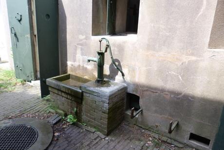 Fort aan den Ham, waterpomp
