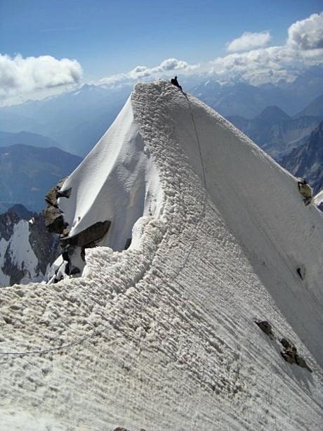 Zusje op de top van Frontier Ridge