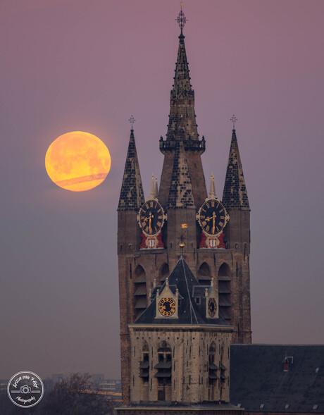 Volle maan in Delft