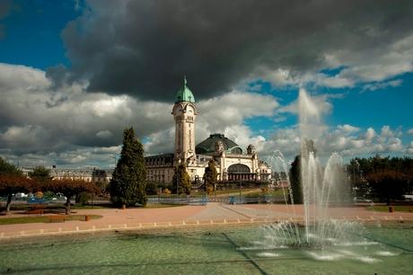 Donkere wolken boven Limoges
