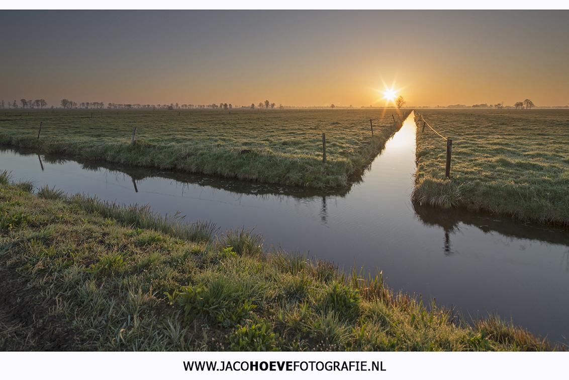Goedemorgen... - Genomen op 15 april 2015 - foto door jacocanon op 15-04-2015 - deze foto bevat: lente, landschap, zonsopkomst, goedemorgen, overijssel, april, rouveen, landschapsfotografie, jacocanon