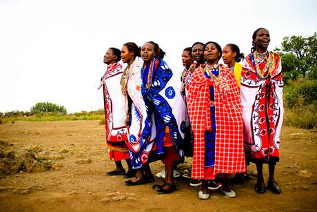 Dansende Masai-vrouwen