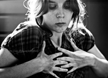 Juli - 50mm - foto door dheks op 20-07-2011 - deze foto bevat: zwart wit, zelf portret