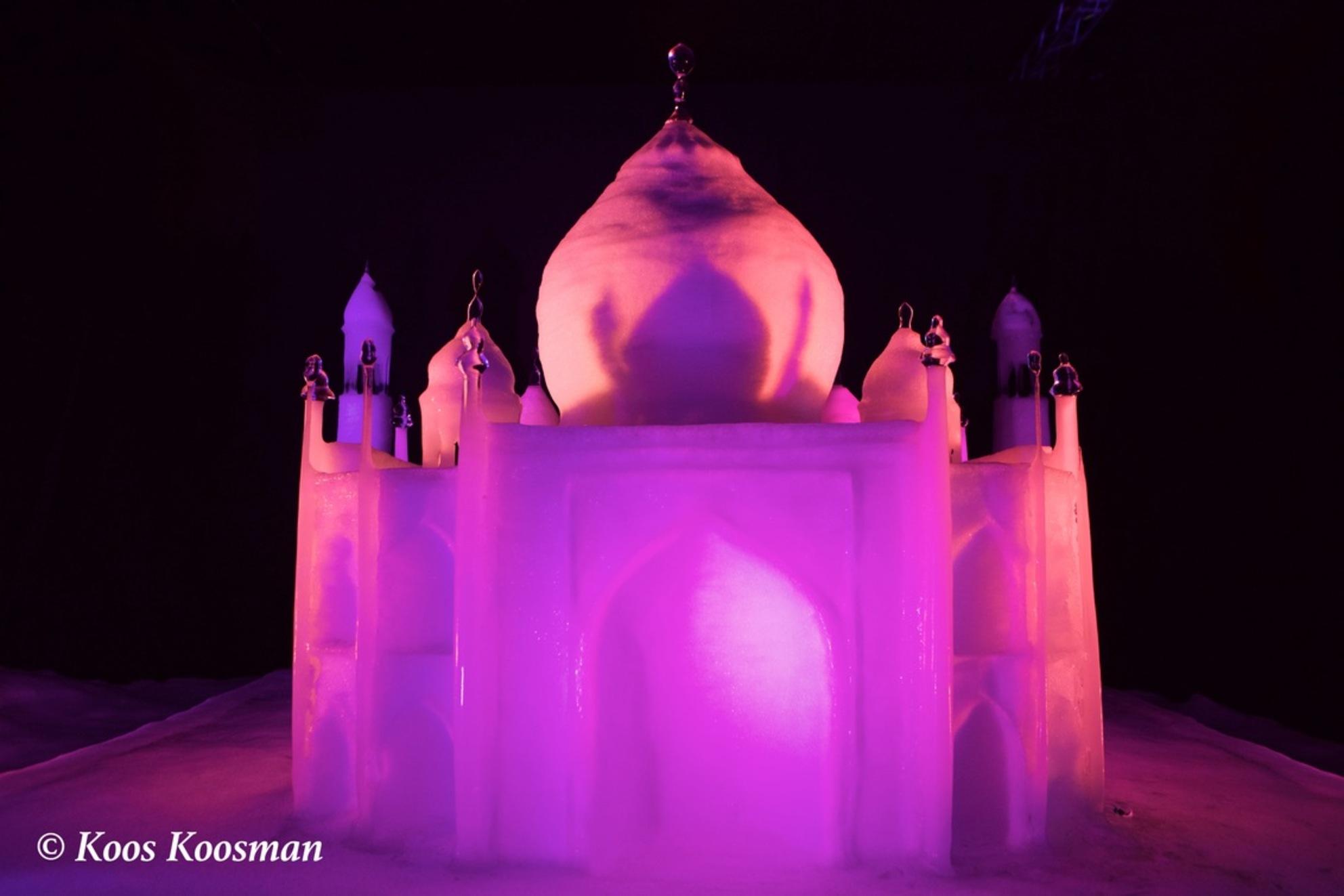 Bevroren Taj Mahal - - - foto door Koosman op 27-03-2016 - deze foto bevat: oud, kasteel, architectuur, gebouw, nacht, paleis, india, keizer, hindoeisme, indusvallei, sindu, 1631, mumtaz mahal, shahjahan