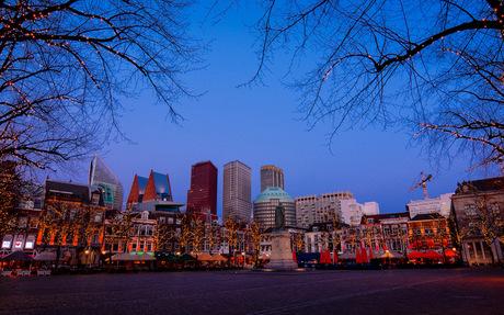 Den Haag skyline by night
