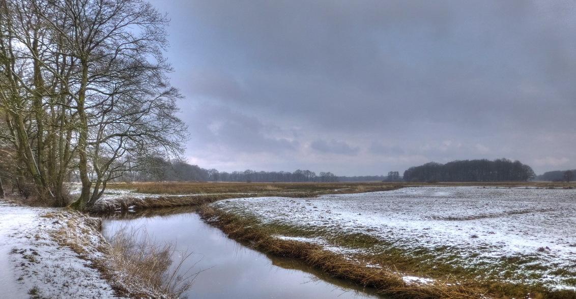 Winterse Drentsche Aa - Drentsche Aa bij Schipborg - foto door jrubels op 12-09-2015 - deze foto bevat: sneeuw, landschap, drenthe, rivier, Drentsche Aa