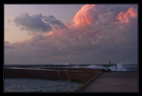 Stormachtige zonsondergang