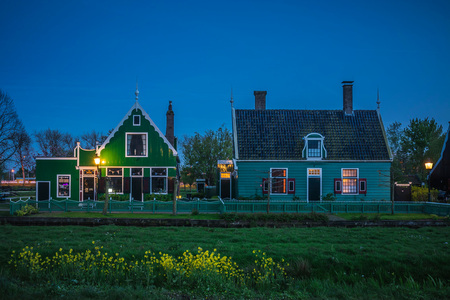 Zaanse Schans - Zaanse Schans - foto door info-3477 op 09-05-2017 - deze foto bevat: lucht, wolken, amsterdam, zon, strand, zee, old, water, dijk, tulpen, sunset, panorama, nature, house, spring, lente, natuur, licht, boot, herfst, winter, kasteel, avond, wind, zonsondergang, vakantie, ijs, landschap, mist, heide, duinen, bos, sun, tegenlicht, zonsopkomst, reflection, bomen, sunlight, sunrise, kerk, storm, zand, bergen, meer, haven, museum, pier, blue, maan, brug, rivier, kust, holland, vintage, power, travel, landscape, flevoland, polder, river, lake, dutch, windmill, kinderdijk, summer, world, hdr, sky, zaanse, retro, building, schans, architecture, beautiful, landmark, village, zaandam, wooden, site, country, mill, creative, canal, tourist, colorful, scenery, unesco, netherlands, scene, cloud, background, traditional, heritage, europe, rural, european, famous, tourism, historic, scenic, destination, countryside, culture, lange sluitertijd, agriculture, milkyway, bluehour, danny tax, danny tax creative, touristic, flevolandscapes, vuurtorenwater, sneeuwspiegeling, molennacht, monument     danny tax
