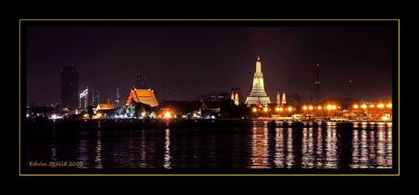 Wat Arun at midnight
