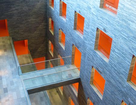 B&G 3 - Beeld en Geluid in Hilversum; de inmiddels op Zoom zo bekende ruimte ondergronds (ong. 15 m)  waar o.a. veel beeld- en geluidsbanden worden gedigital - foto door ekeren op 17-11-2012 - deze foto bevat: Beeld en Geluid