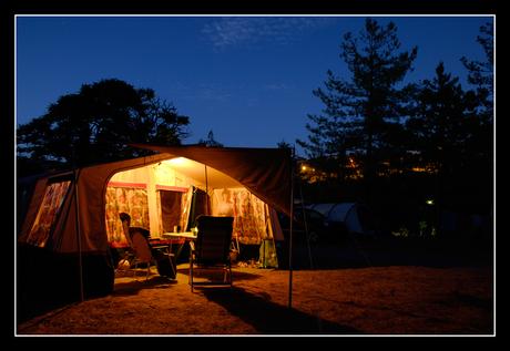 S'avonds op de camping
